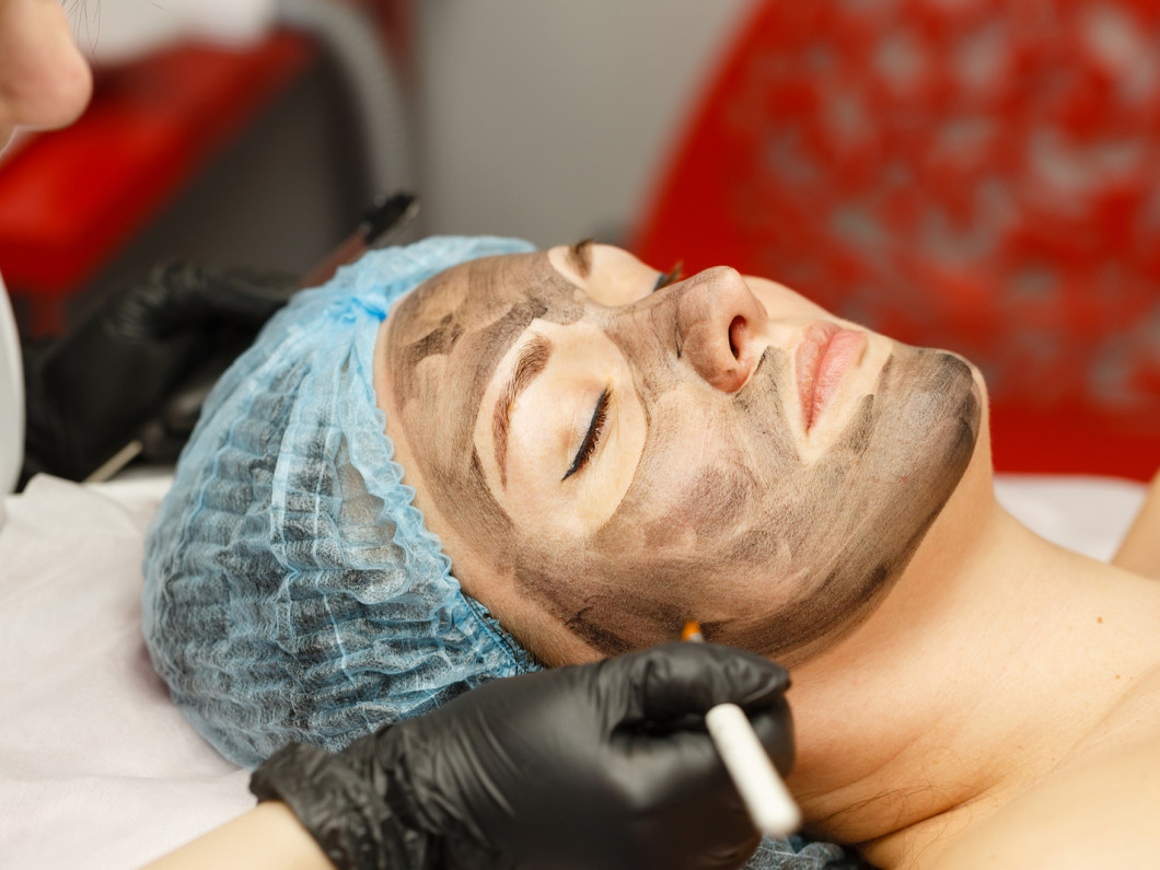 Rejuvenate Your Skin With a Relaxing Facial